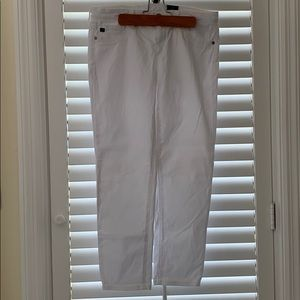 Adriano Goldschmied AG white crop Jeans. 28. Soft